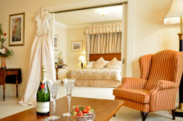 Bridal suite Strawberry champagne